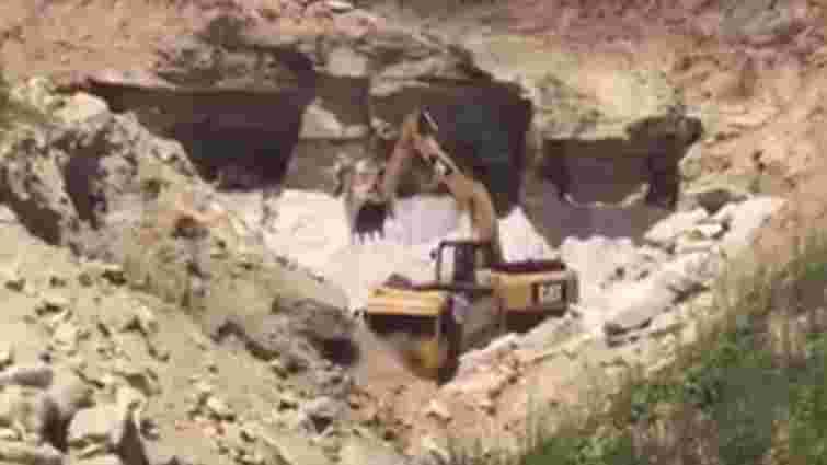 На Львівщині підприємство незаконно видобуло понад 27 тис. тонн кварцового піску