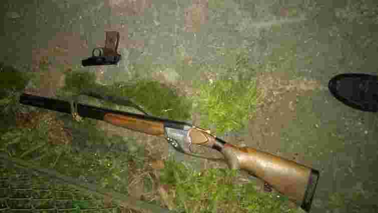 У Львові затримали чоловіка, який сперечався із сусідом зі зброєю в руках