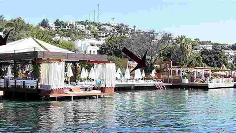 На турецькому курорті сталася стрілянина, є загиблий і поранені