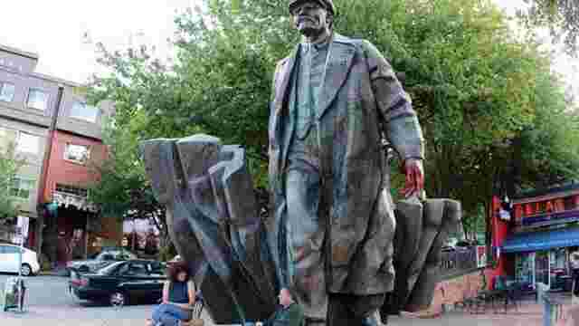 Мер Сіетла закликав демонтувати пам'ятник Леніну