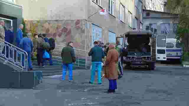 До Львова літаком привезли 11 поранених бійців АТО