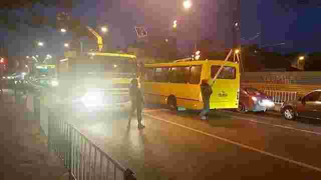 Через обрив контактної мережі на Кульпарківській тимчасово не курсують тролейбуси № 2, 9, 10