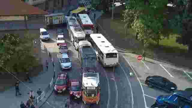 «Львівелектротранс» судиться з водіями автомобілів, через яких підприємство зазнає збитків