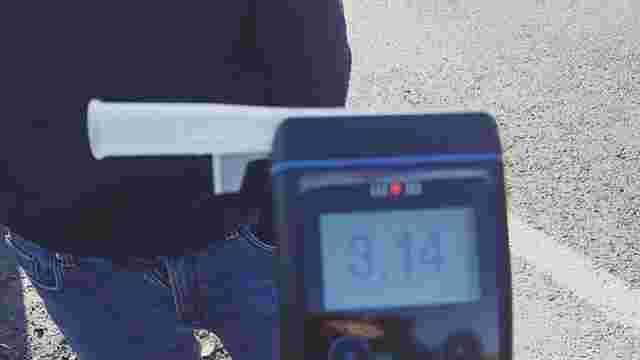 На міжнародній трасі патрульні Львова зупинили водія з перевищенням рівня алкоголю в 15 разів