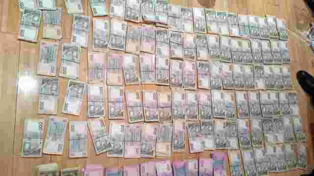 У Києві спіймали карткових шахраїв, які вкрали в державному банку ₴6 млн