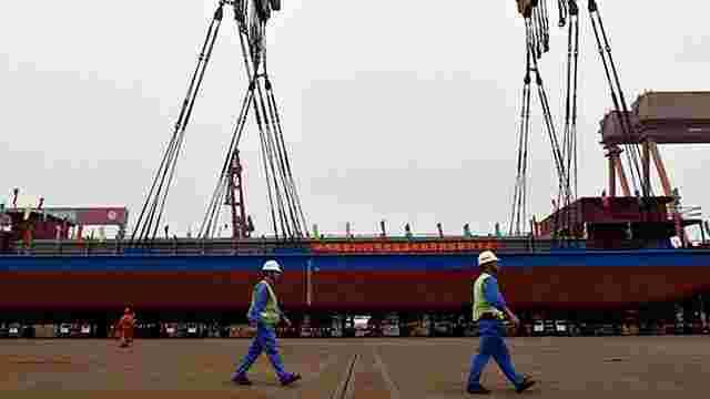 У Китаї почалися випробування першого повністю електричного вантажного судна