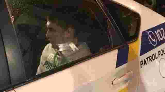 Затриманому за пограбування магазину синові нардепа Попова оголошено підозру