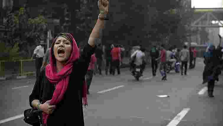 В Ірані відбулися масові протести проти підвищення цін, поліція застосувала силу