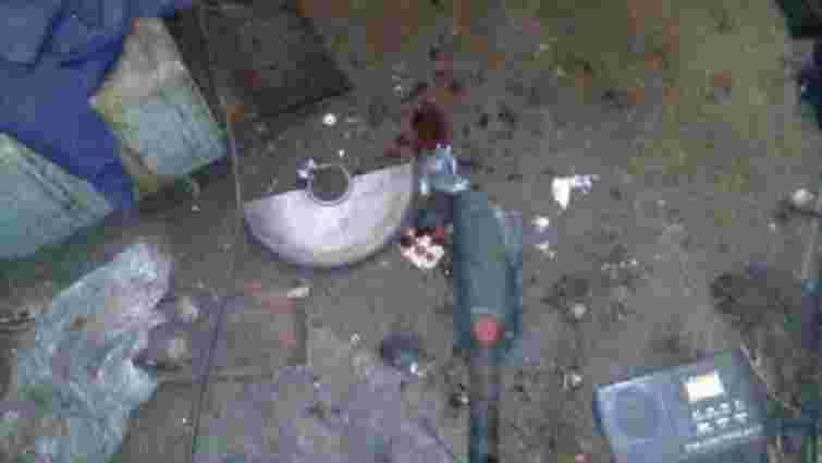 На Донбасі чоловік отримав поранення при спробі розпиляти снаряд від зенітки