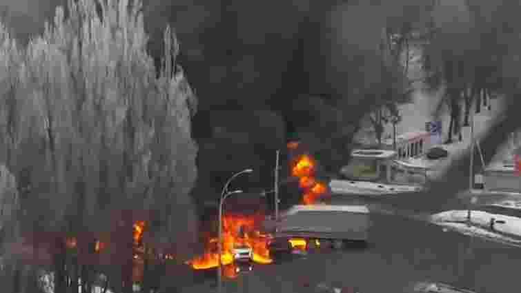 У Києві в результаті ДТП згоріли чотири автомобілі