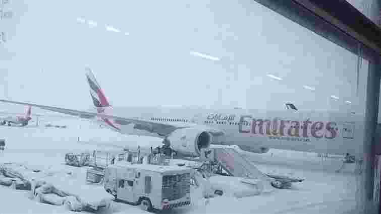 В Ірані через потужні снігопади не працювали аеропорти і  школи