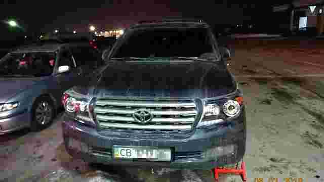 З України намагалися вивезти викрадений позашляховик