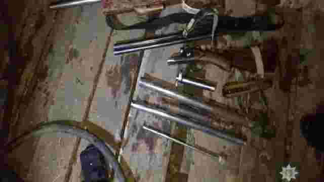 На Львівщині поліцейські знайшли незаконну зброю у будинку пенсіонера