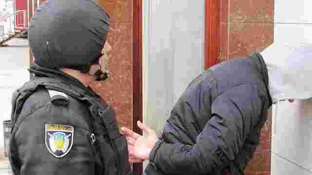 У Рівненській області поліцейські затримали групу псевдоправоохоронців