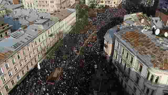 Хресну ходу у Львові зняли з висоти пташиного польоту