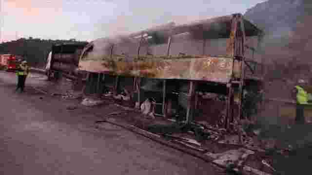 В Туреччині після зіткнення автобуса з вантажівкою загинули 13 людей
