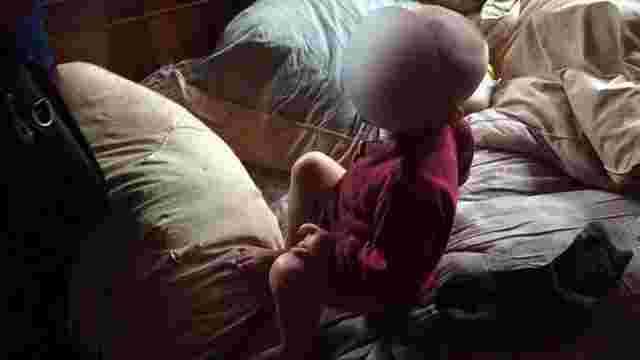 На Прикарпатті через антисанітарію поліція забрала з родини сім дітей