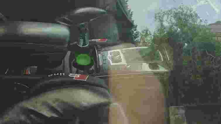 У Винниках затримали водія-нахабу, який кермував з пивом у руках