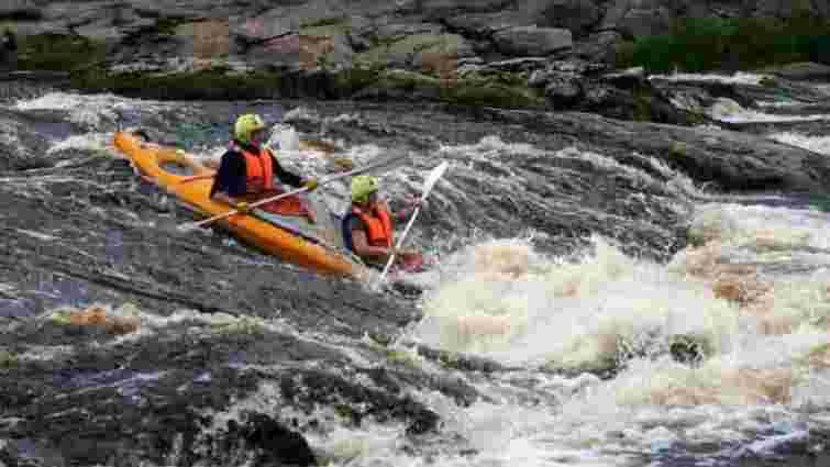 Під час сплаву на байдарках по річці Прут загинув 33-річний турист з Кракова