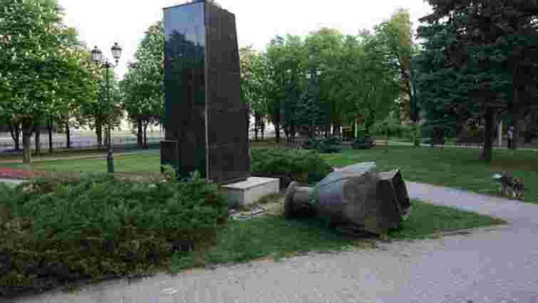 У Харкові невідомі знесли погруддя радянського маршала Георгія Жукова