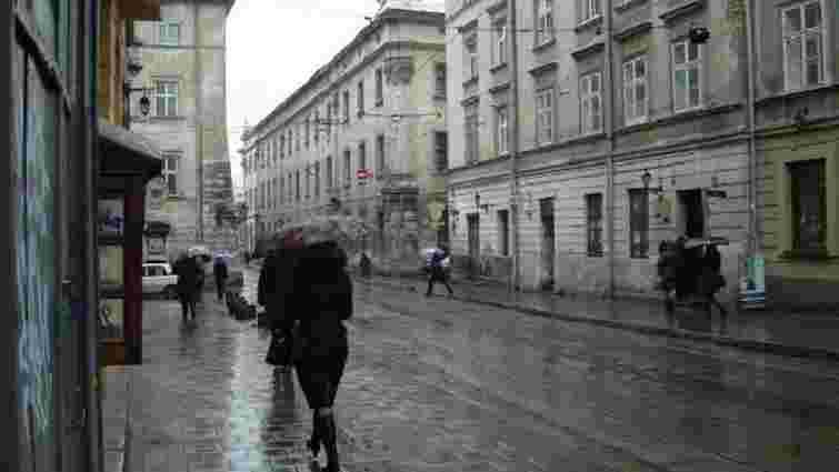 Синоптики прогнозують упродовж дня у Львові й області дощі та грози