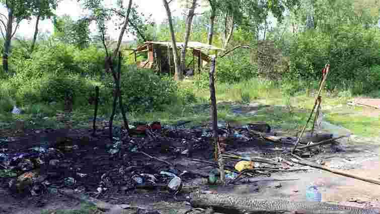 Посольство США закликало розслідувати підпал табору ромів поблизу Львова