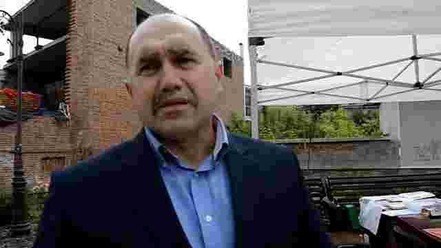 Мер Золочева оголосив безстрокове голодування на площі у центрі міста