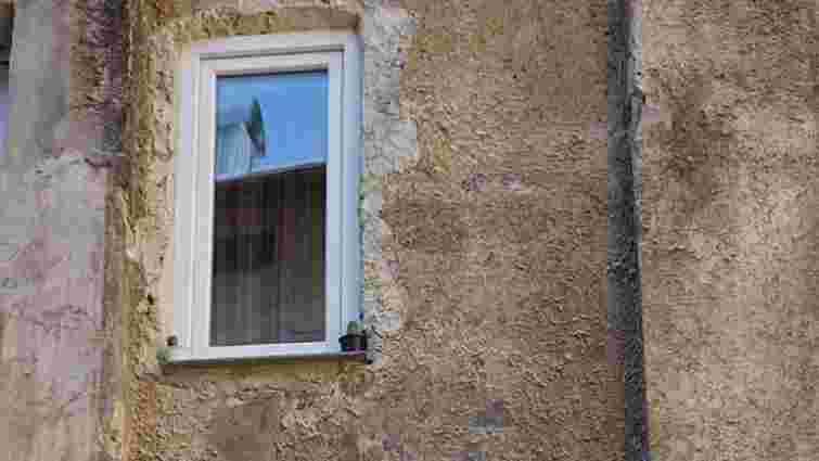 Львів'янин пробив у стіні вікно і пошкодив давню єврейську фреску