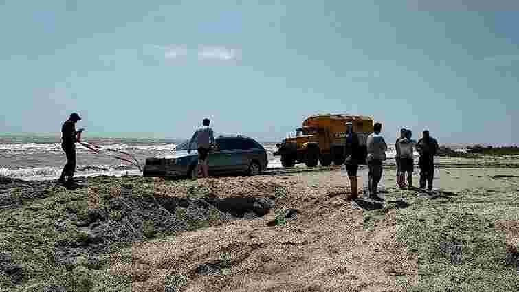 В курортній Кирилівці Запорізької області сильні дощі затопили половину баз відпочинку