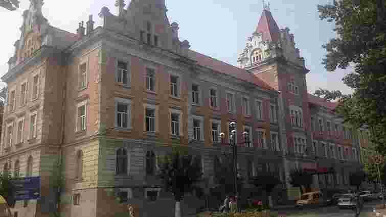 На Львівщині суд зобов'язав шахрайку повернути отримані під час продажу квартири ₴935 тис.