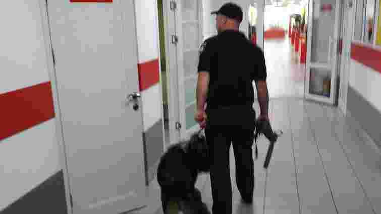 У Львові поліція двічі за день перевіряла повідомлення про замінування п'яти бізнес-центрів