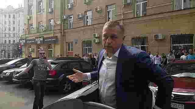 Заступника міського голови Харкова кинули в сміттєвий бак