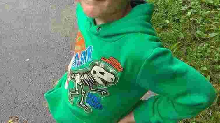 Біля львівського супермаркету зник 6-річний хлопчик