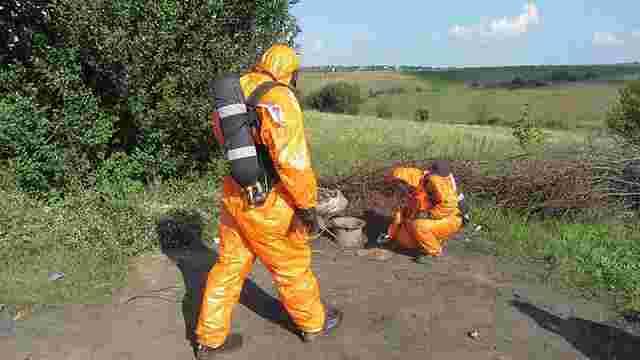 Контейнер із радіоактивною речовиною знайшли на околиці Хмельницького