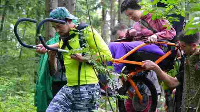Команда проекту «На трьох колесах» влаштовує благодійне сходження на гору Пікуй