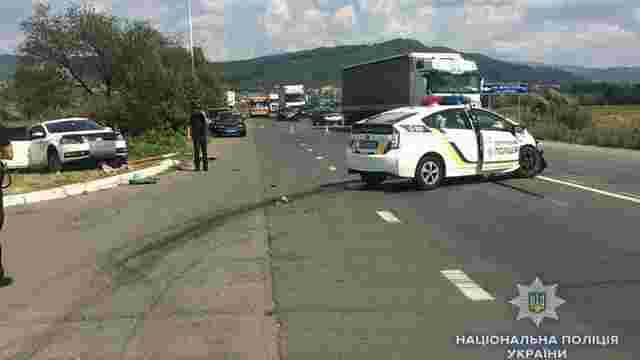 Під час погоні на Закарпатті автомобіль патрульної поліції потрапив у ДТП, є постраждалі