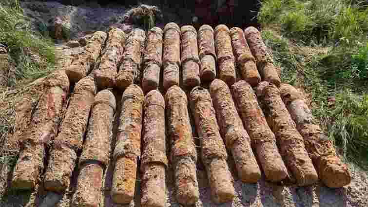 На Золочівщині піротехніки знищили 22 реактивні снаряди часів ІІ Світової війни