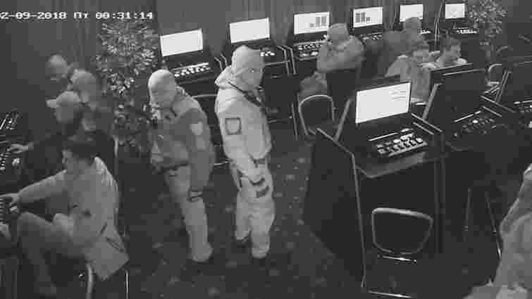 Суд скасував домашній арешт львівським поліцейським, яких підозрюють у ненавмисному вбивстві