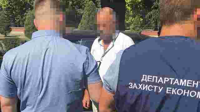 На Запоріжжі затримали місцевого прокурора за отримання хабара у розмірі $5 тис.