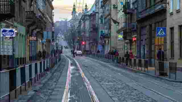 Поліція розшукує водія, який збив пішохода на вул. Дорошенка у Львові