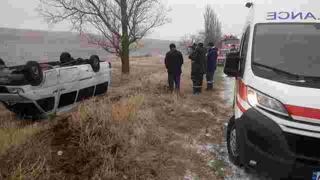 У Запорізькій області перекинулася маршрутка з пасажирами, є постраждала