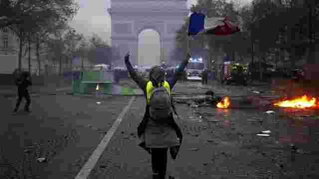 Після протестів «жовтих жилетів» уряд Франції відклав підвищення акцизів на пальне