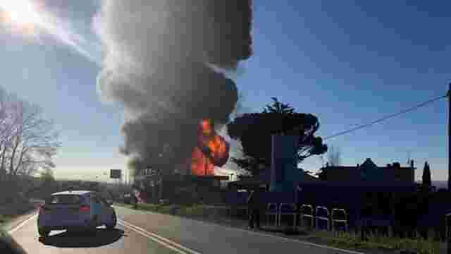 В Італії на автозаправці вибухнув бензовоз, є загиблі та поранені