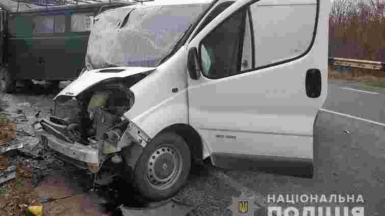 На Херсонщині внаслідок зіткнення мікроавтобусів загинуло п'ятеро людей