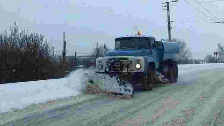 Вночі у Львові працюватиме снігоприбиральна техніка