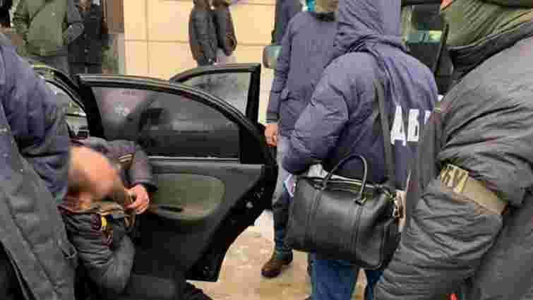 У Полтаві затримали прикордонників, які вимагали хабар в обмін на документи для нелегалів