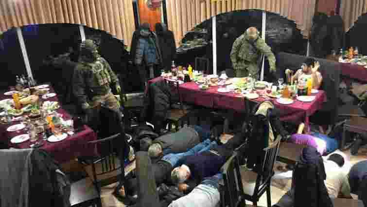 В Маріуполі поліція затримала кримінального авторитета на його дні народження