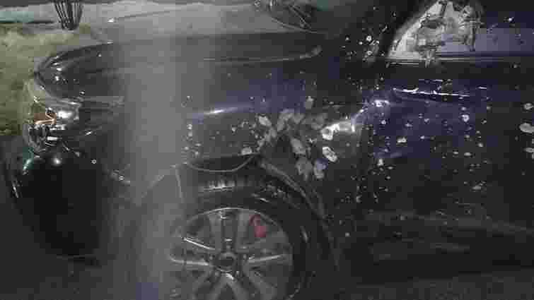 У Дніпрі невідомі з гранатомета обстріляли автомобіль кримінального авторитета