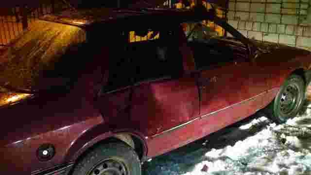 Вночі на Левандівці 32-річний львів'янин розтрощив чужий автомобіль
