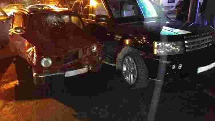 Позашляховик Ольги Богомолець потрапив у ДТП в центрі Одеси